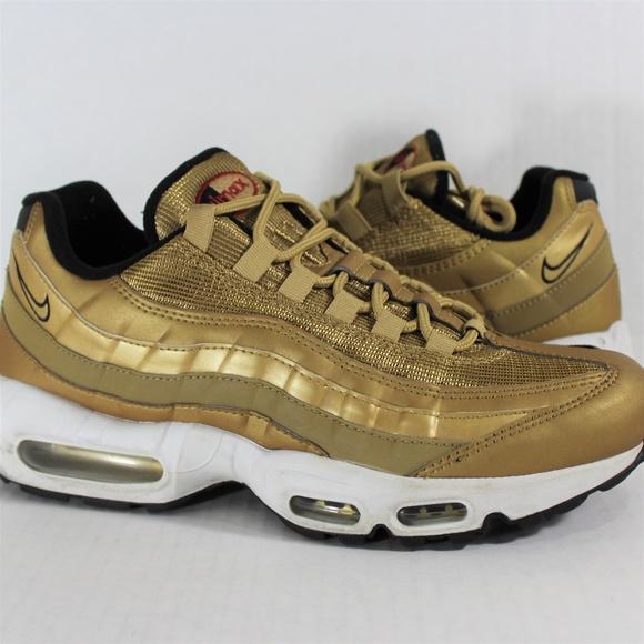 gold air max 95